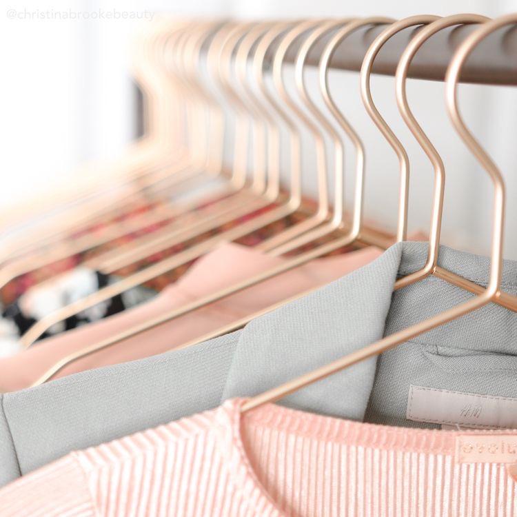 لباس زنانه - لباس دخترانه- شومیز- مانتو- سارافون- جنس لباس - انواع لباس های دخترانه- تولید و پخش عمده انواع لباس های زنانه پوشاک لقمان