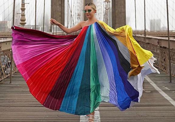 چندین نوع پارچه که هیچ وقت از مد نمی افتند-انواع پارچه جهت تولید انواع لباس های مد و به روز زنانه- پارچه های مد و به روز در تولید پوشاک